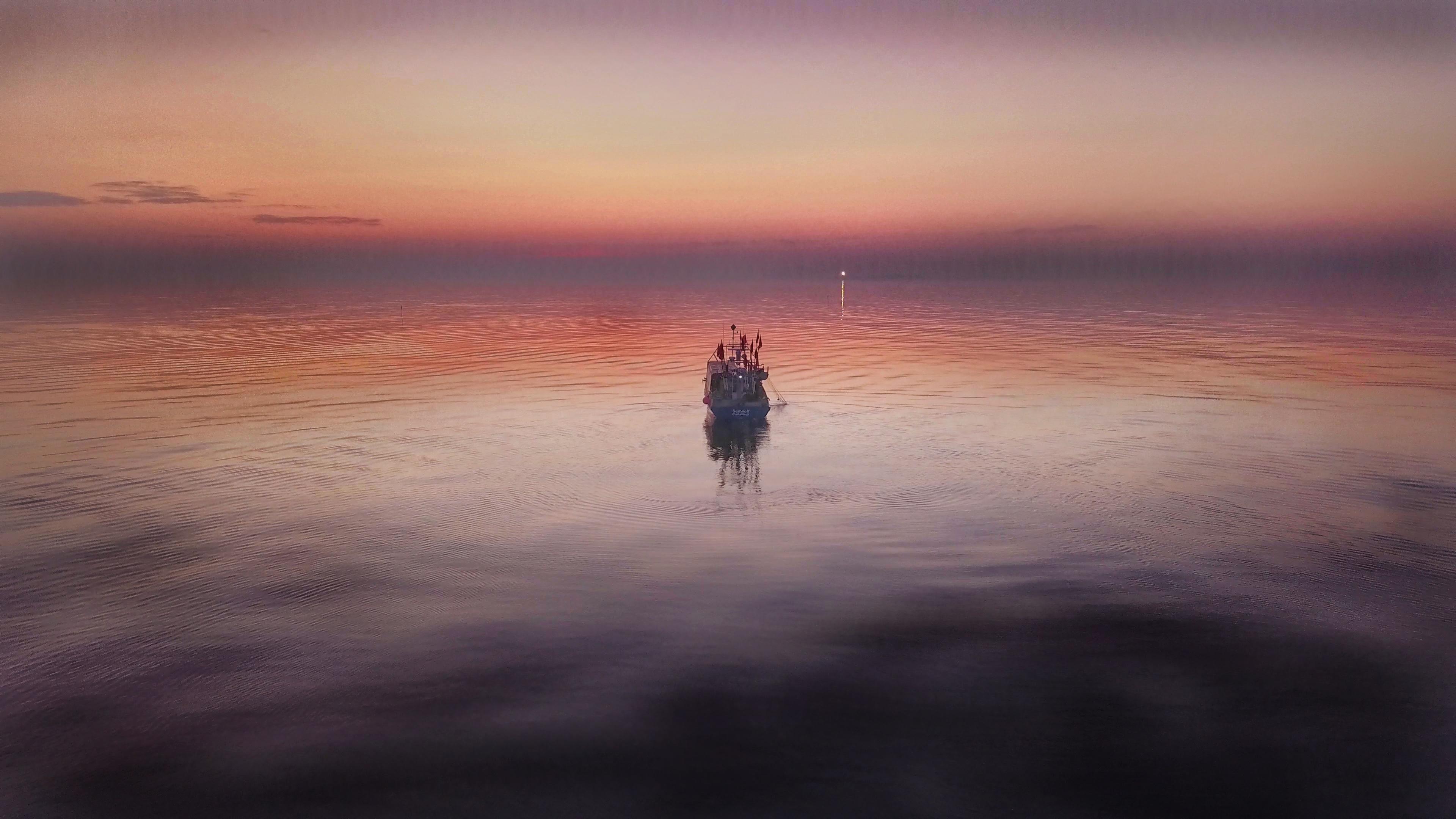 """Filmstill Videostill aus dem Film """"Ich hol' dir einen frischen Fisch"""" von Christiane Burwitz und Stefan Pocha"""
